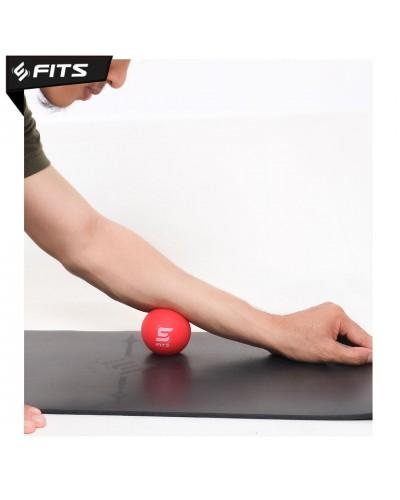 FITS YOGA BALL